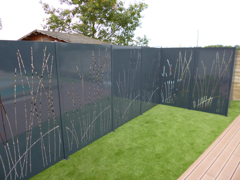 La cl ture en t le thermolaqu e permet de donner un style moderne votre jardin for Cloture jardin contemporaine