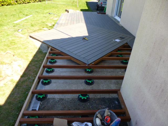 ... Terrasse En Lames Composites Sur Plot ...